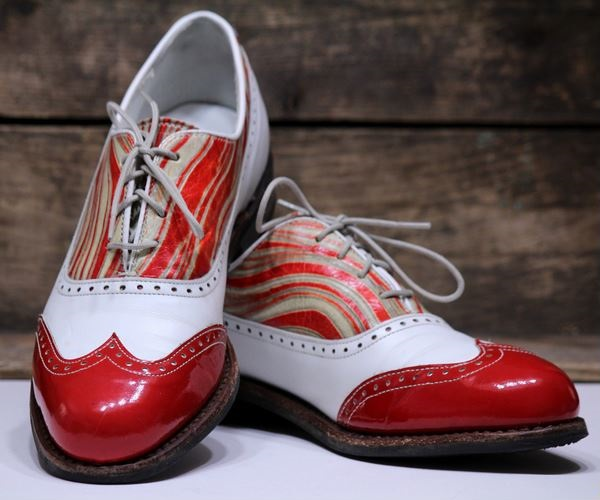 Golf Shoe History  The Evolution of Golf Shoes a07cad4260